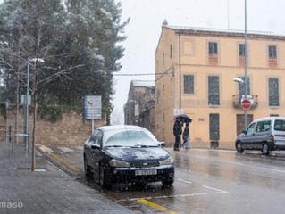 ens ha arribat una mica de neu a Banyoles ...ha sigut divertit...!