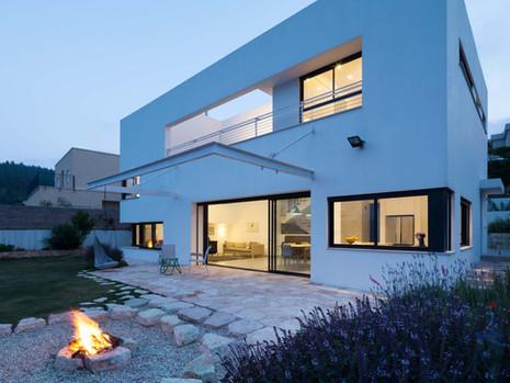 URI HOUSE