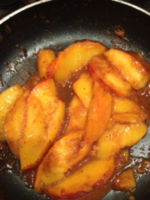 Cooked peaches to adorn our breakfast-for-dinner flapjacks!