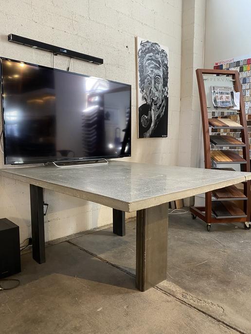 Concrete & Steel Table 3 Leg