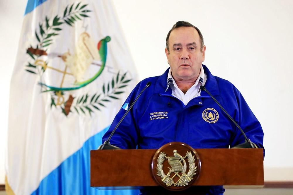 Alejandro Giammattei, Presidente de Guatemala, anunció el lunes 16 de marzo que todos los vuelos, durante dos semanas, estarían cancelados - Fotografía de El Periódico por Luisa Paredes