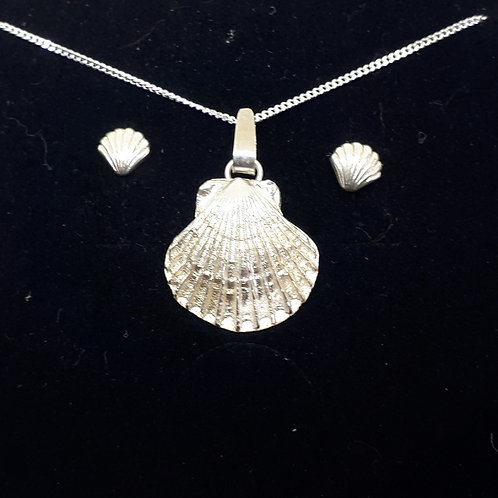 Scallop shell Pendant and earstuds