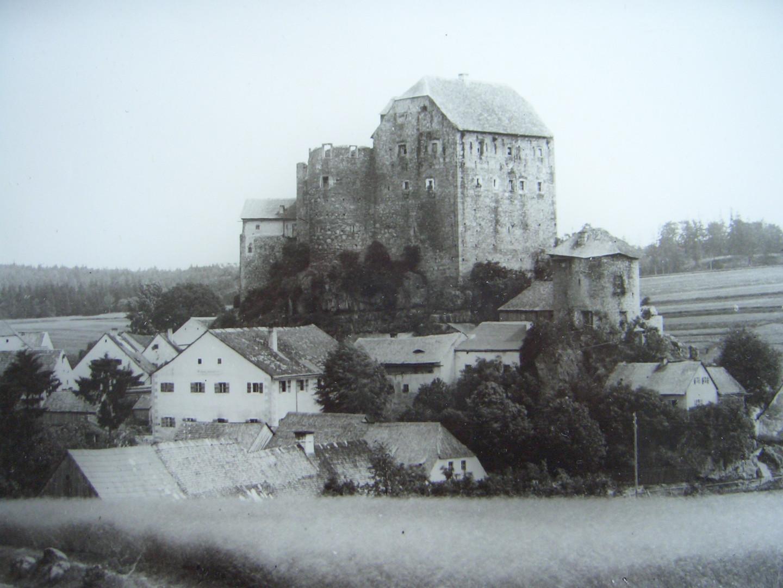 Die Burg aus nordwestlicher Sicht