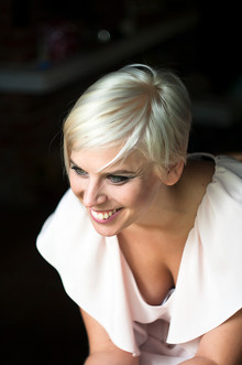 Gabriella Jónás - Singer