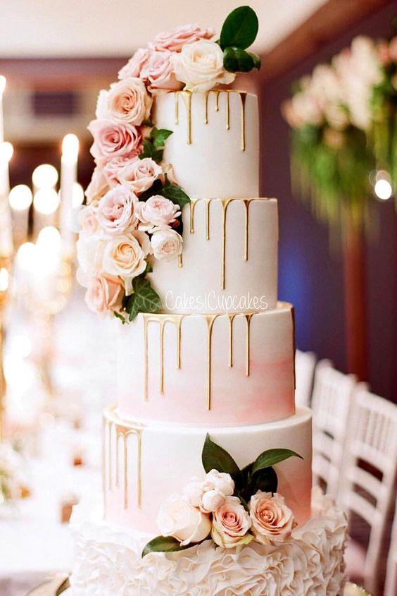 wedding cake whith roses