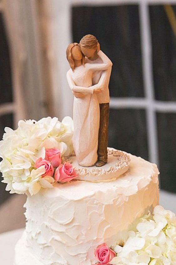wedding cake with figure