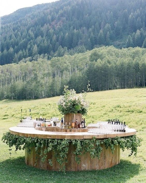bar in a forest, esküvői kerek bárpult