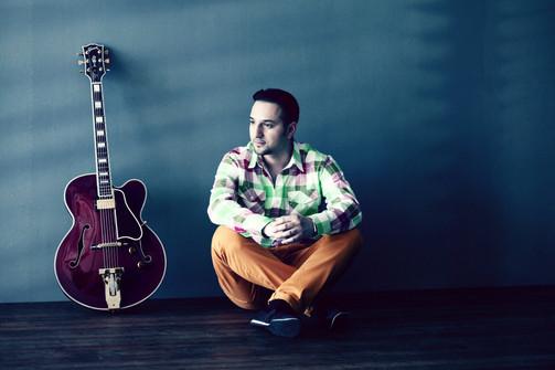 Roland Balogh - Guitarist