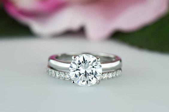 eljegyzési gyémántgyűrű