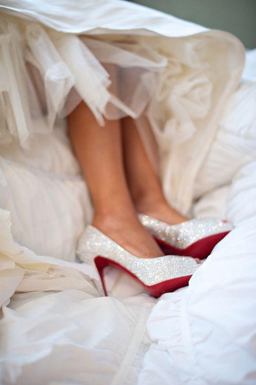 esküvői csillogó cipő