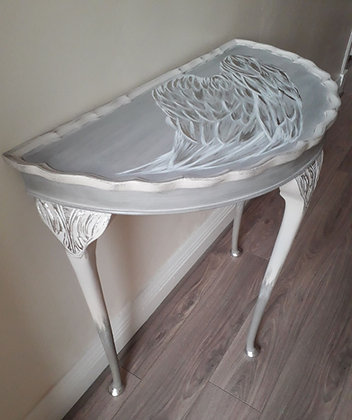 Angel Demilune Table