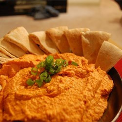 easy red roasted pepper hummus