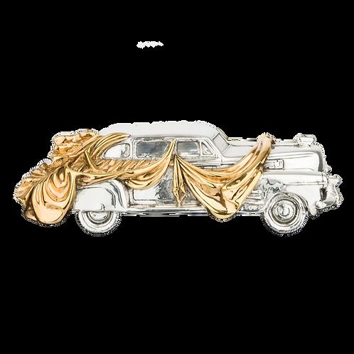 مجسمه سازی اتومبیل لباس پوشیده توسط سالوادور دالی