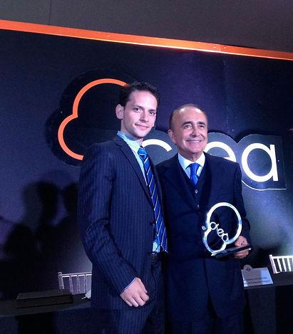 Pedro Ferriz de Con Premio Crea.jpeg