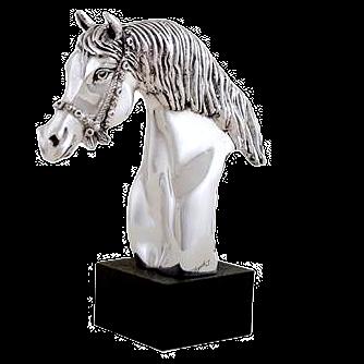 مجسمه سر اسب مبهوت نقره ای