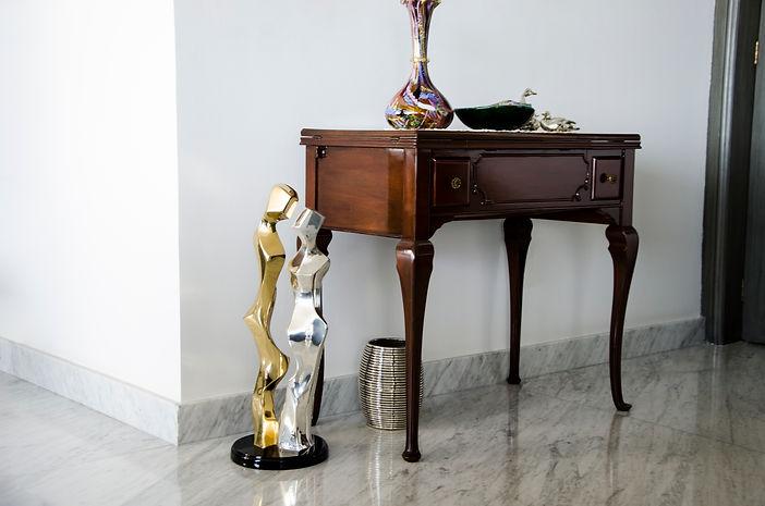Gold-Silver-Couple-Sculpture-Home-Decor.