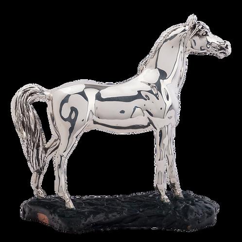 مجسمه اسب نقره ای عرب - دیده بان