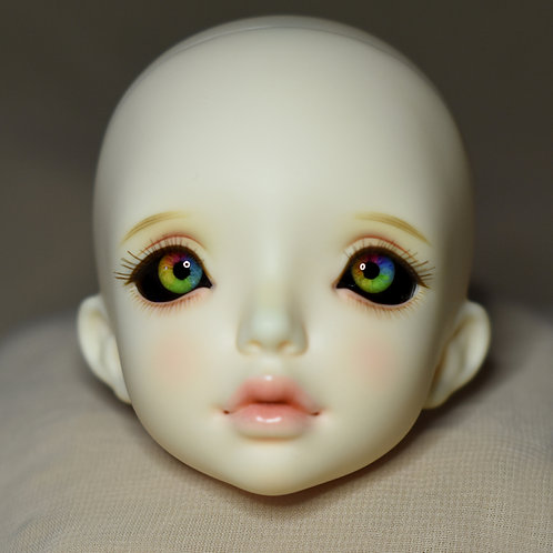 "Doll eyes ""Carousel"" [16mm (5)]"