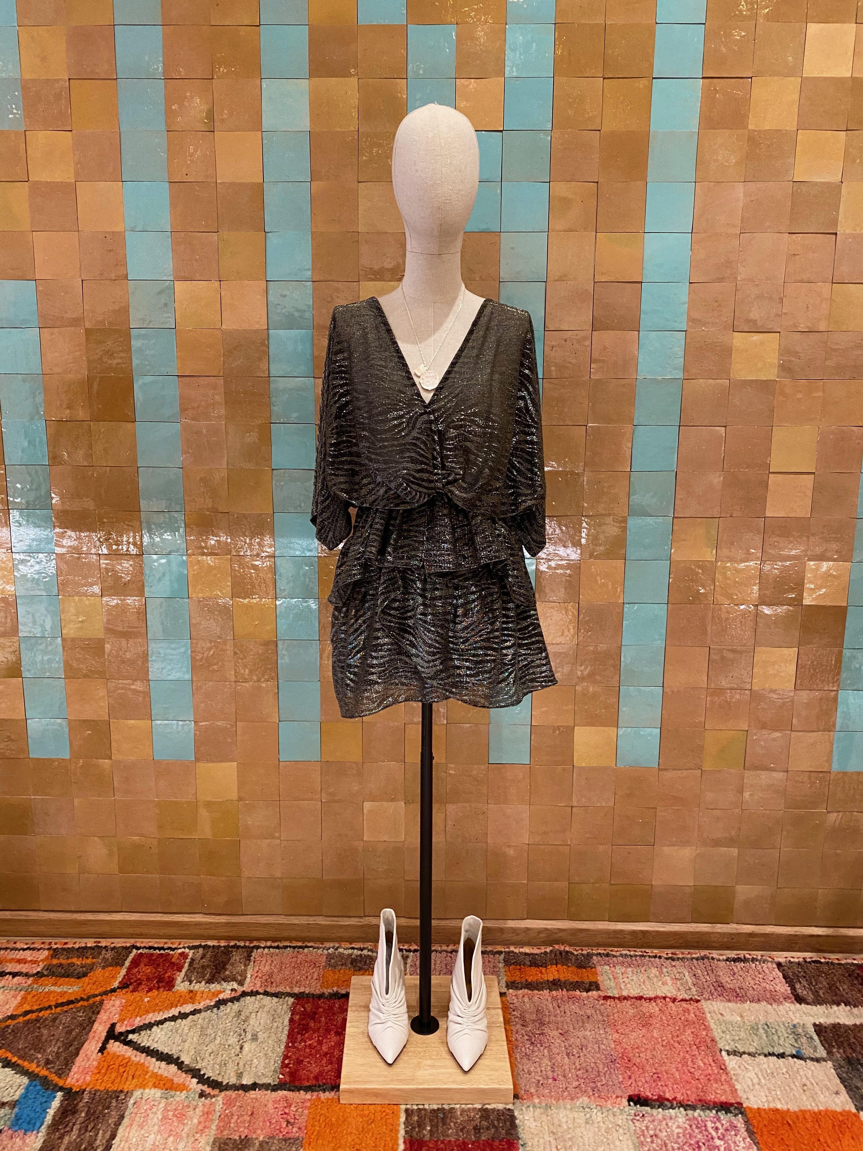 Robe IRO modèle wide noir argenté