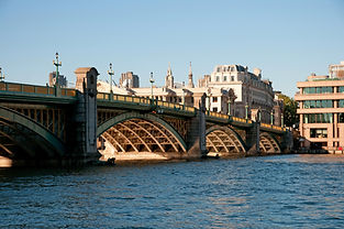 View of London bridge, near the Tabaerd Street apartments