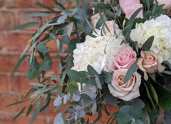 The pink and white bouquet - Medium