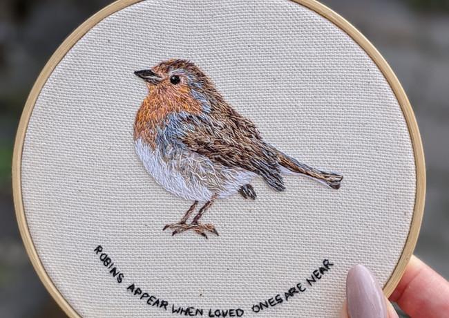 Robin-hand-embroidery-hoop-canvas-colour