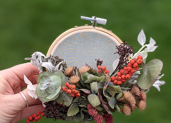 'Santa Baby' dried flower hoop - Small