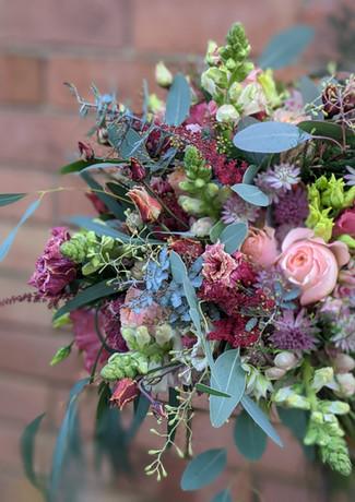 Vibrant-wedding-flowers-derbyshire.jpg
