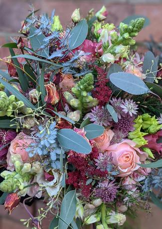 Vibrant-wedding-flowers-derbyshire-bridal-bouquet.jpg