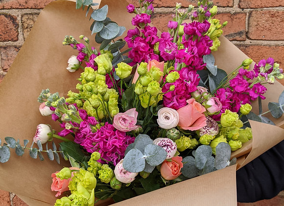 Bright and blousy bouquet - Large