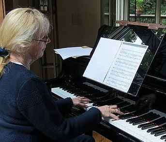Easier for bifocal user to see music | Grand Stand for Piano