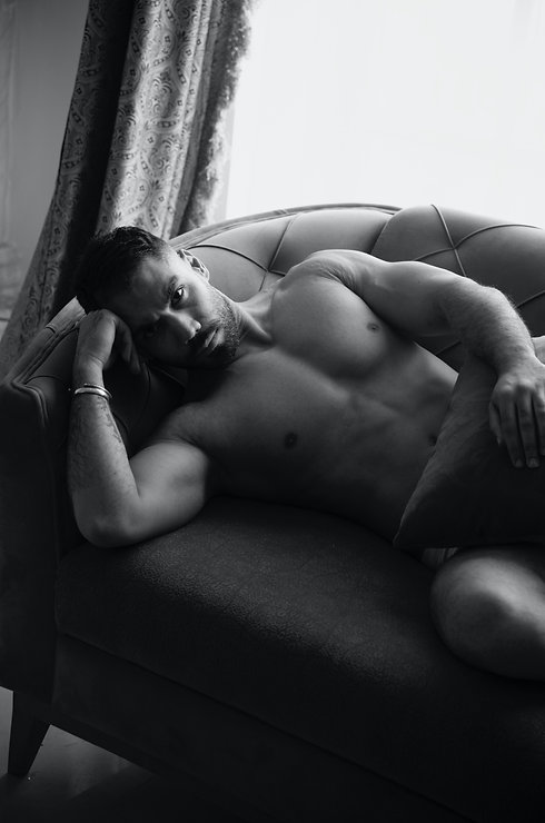 Sexy Selfies hot guy on couch