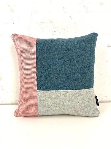 Puzzelkussen - roze/blauw/mint