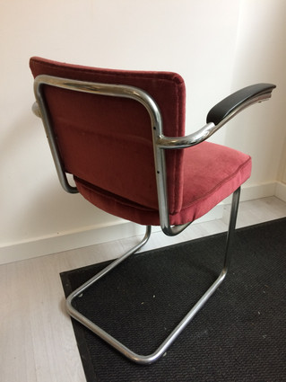 Nieuwe stoelen te koop