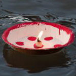 Bamblu-palm-leaf-bowl-boat-and-candle.jp