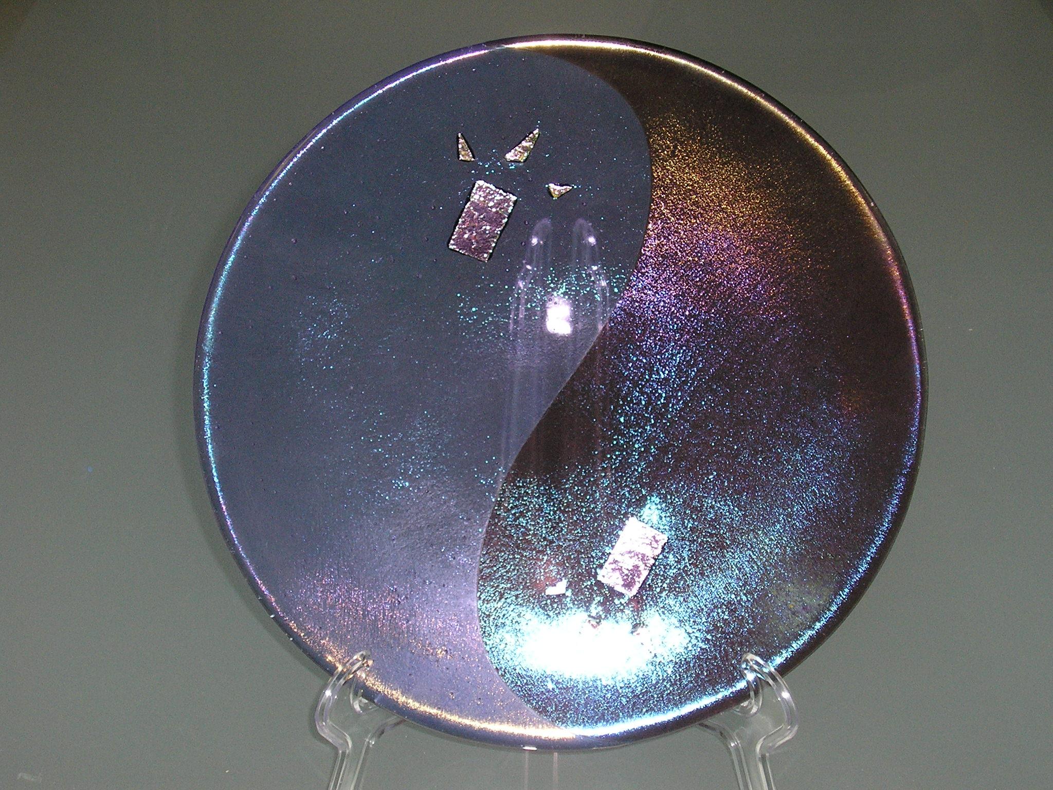 Yin Yang with Irids Plate
