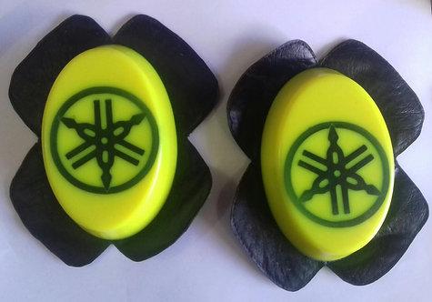 Saboneteiras amarelas Y