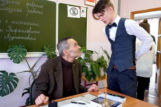 В лицее № 3 г. Дзержинский состоялась встреча с писателем Германом Арутюновым
