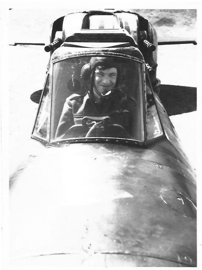 'Sandy' Ballentine in Defiant N3333