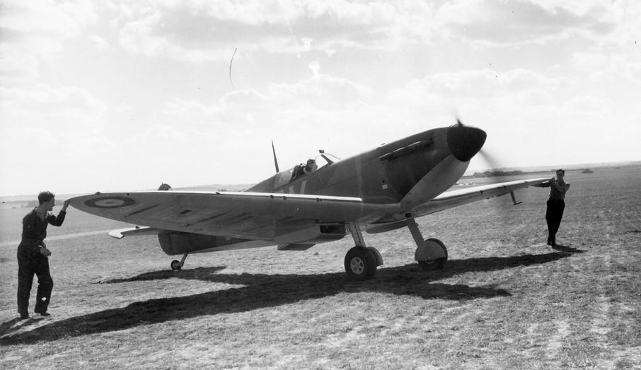 A Spitfire similar to N3294.jpg