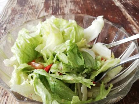 Frischkost- hier in Form von einen Salat