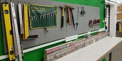 הנדסייה-עמדת עבודה ולוח כלים