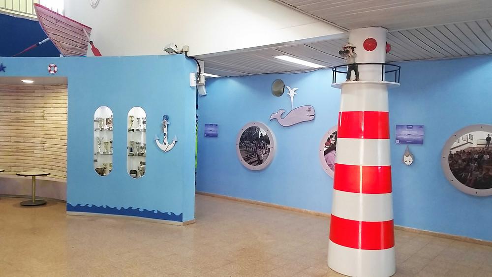 עיצוב מבואת כניסה בהתאמה לייחודיות בית הספר