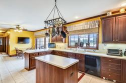 Main Level-Kitchen-_DSC5115.JPG