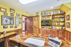 Upper Level-Office-_DSC4955.JPG