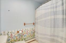 Upper Level-Bath-_DSC5035.JPG