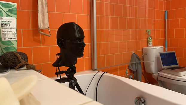 binaural head in the shower