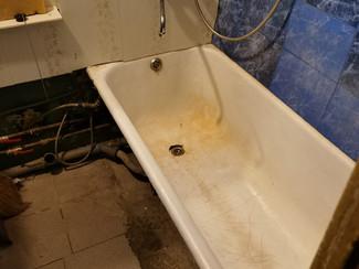 Реставрировать ванну в съемной квартире или нет?
