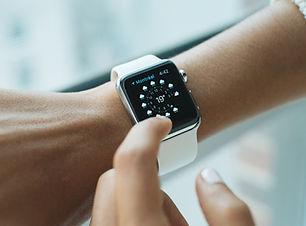 Tech-Uhr