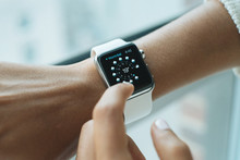Wearable Tech: Improving Productivity and Well-Being